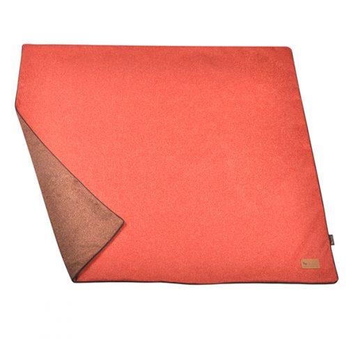 P.L.A.Y - כרבולית הגנה מפנקת - תפוז אדום LUXE THROW - TWILL - ORANGE RED